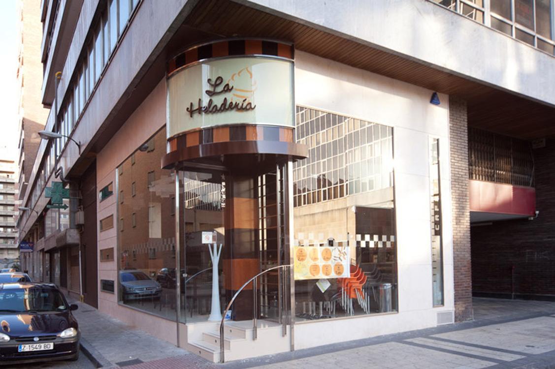 N&N. Interiorismo y decoración. Cafeteria La Heladeria, Zaragoza