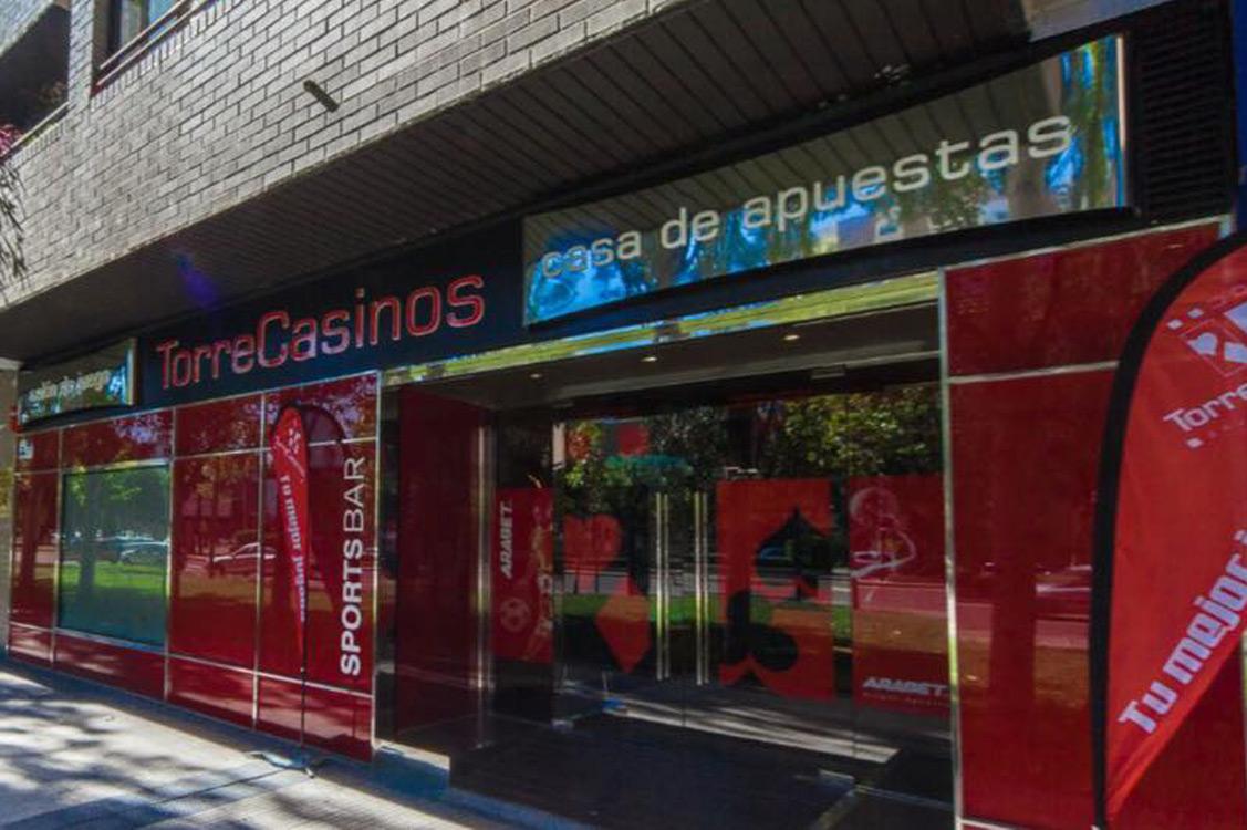 N&N. Nuño y Nuño Arquitectura interior Zaragoza. Interiorismo y decoración. Salón Torrecasinos, Zaragoza